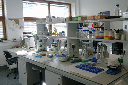 molecular biology science laboratory