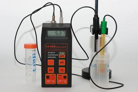 pH meter acids bases